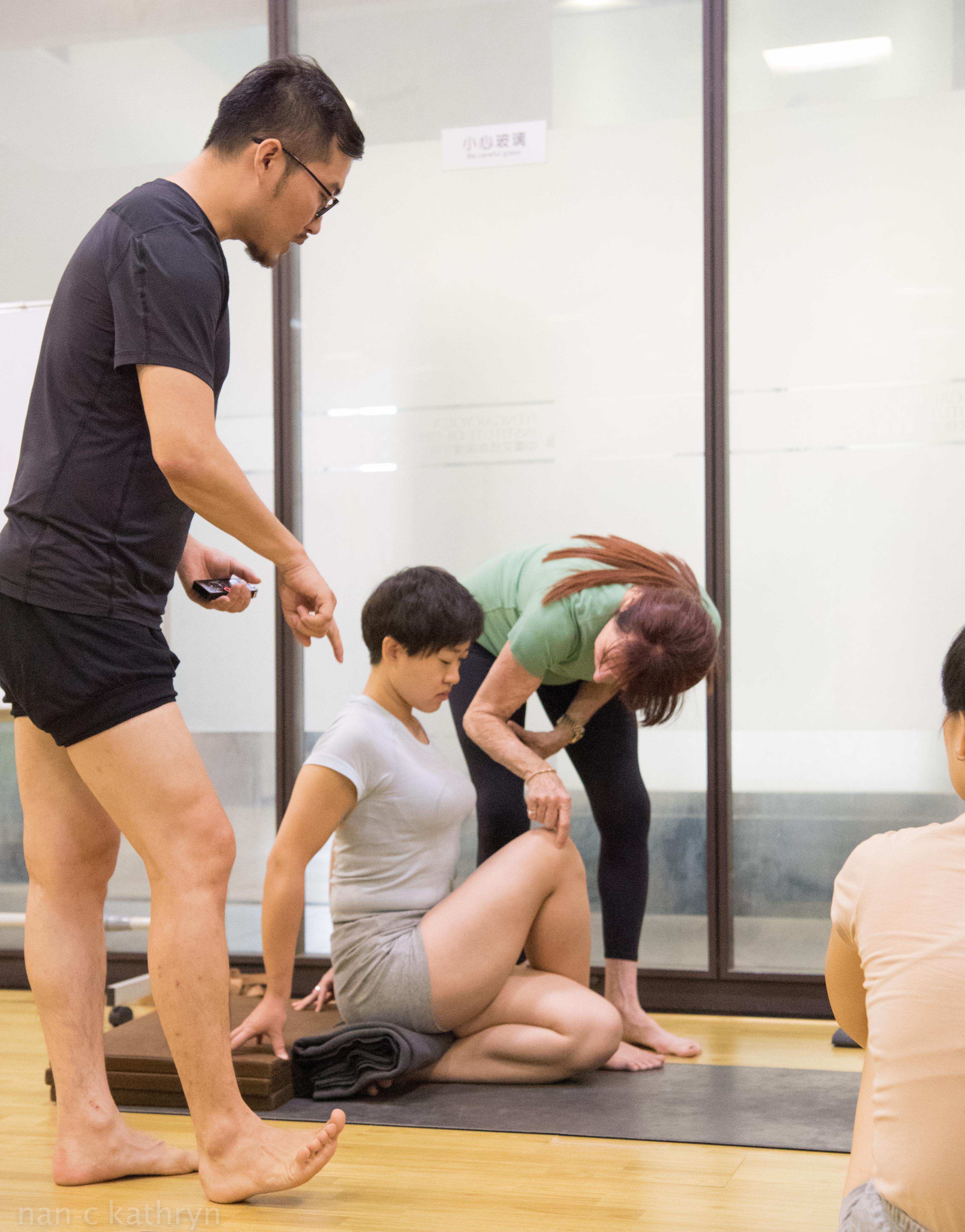 julie teaching demo with gloria-4905